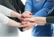 Eine Hand ist geschickter als ein Finger, viele Hände sind stärker als eine Hand.
